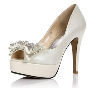 zapatos de cuero blanco