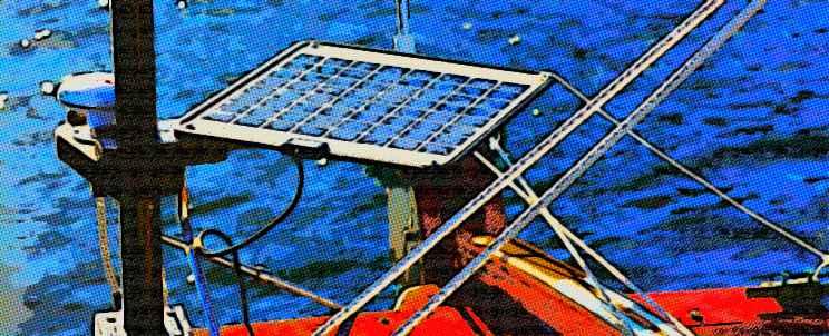 Instalación de paneles solares para barcos