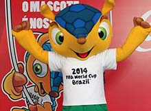 mascota del mundial Brasil 2014 saludando