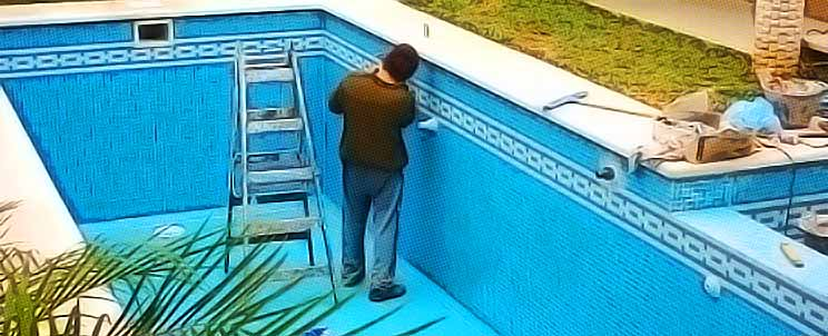 C mo impermeabilizar las venecitas de tu piscina for Pileta material construccion