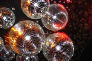 fiesta disco bolas