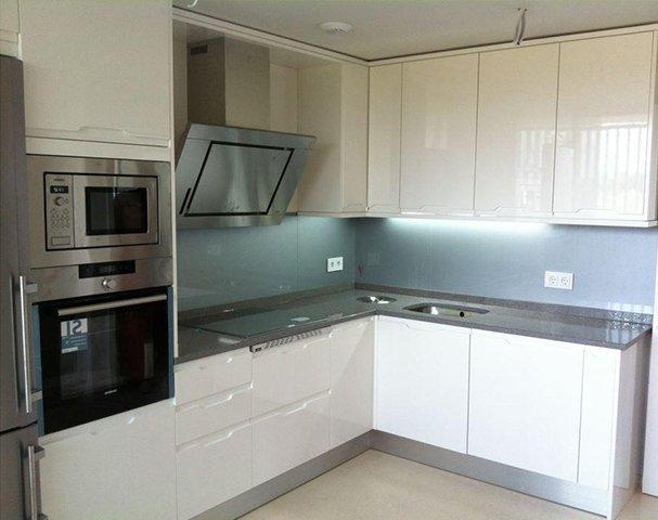 Muebles de cocina de pvc polilaminados for Muebles de cocina en l